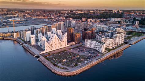 Building Style by Isbjerget Iceberg Visitaarhus