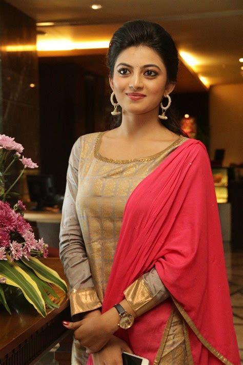 actress anandhi photo gallery actress anandhi stills