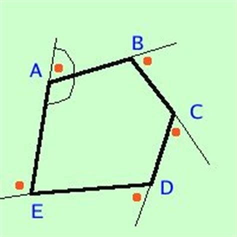 somma degli angoli interni di un parallelogramma geometria euclidea