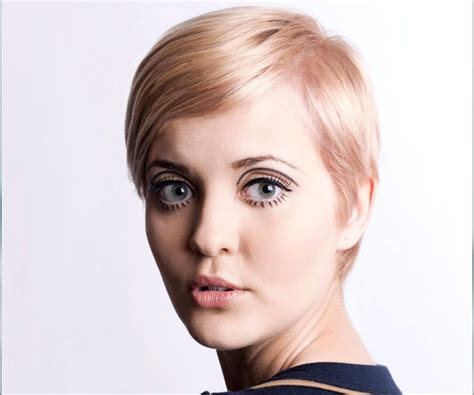 twiggy hairstyles for women over 50 twiggy hairstyles for 50 25 best ideas about twiggy hair