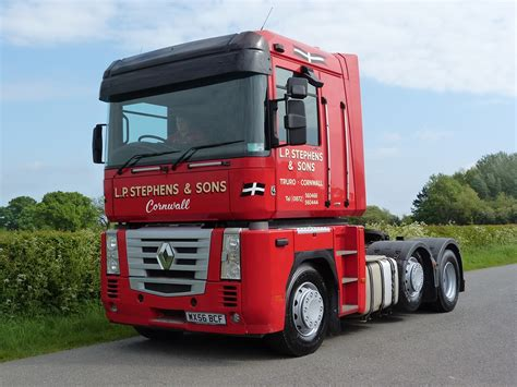 renault magnum 480 dxi 6 x 2 tractor unit