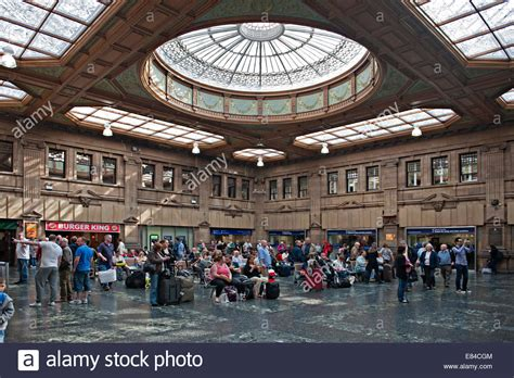 booking hall  edinburgh waverley railway station