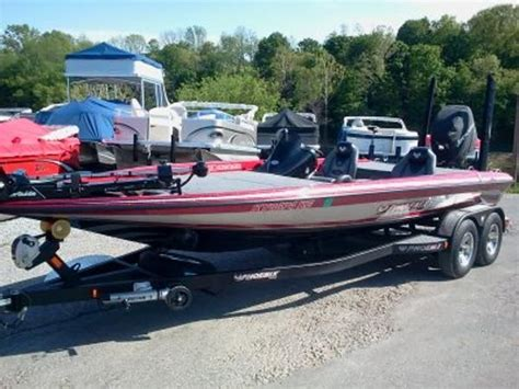 phoenix bass boats kentucky new 2015 phoenix bass boat superstore all models available