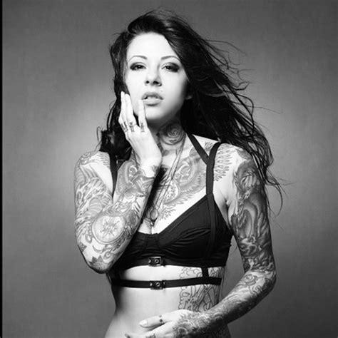 tattoo old school femme gogo blackwater tatouage femme old school culture
