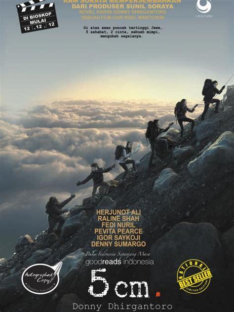 fedi nuril di film 5cm 6 film yang mengangkat keindahan gunung di indonesia