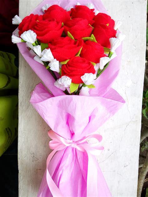Buket Wisuda Kado Bunga Buket Bunga Bunga Mawar Fresh harga buket mawar flanel kado ultah wisuda wedding