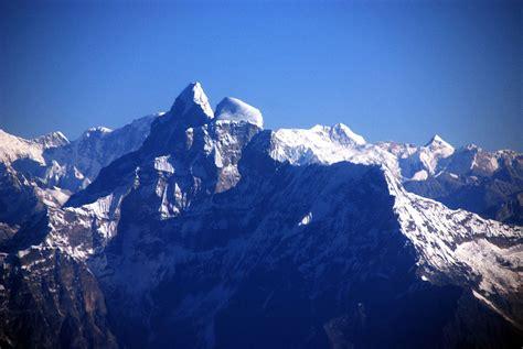 Corniced Kathmandu Mountain Flight 04 1 Gauri Shankar Wide View