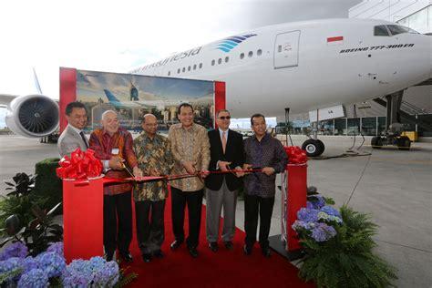 detik garuda indonesia garuda lakukan joy flight boeing 777 300er sekaligus tes wi fi