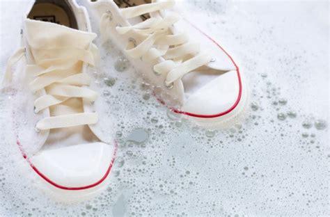 como puedes desinfectar tus zapatos otra manera de evitar el covid