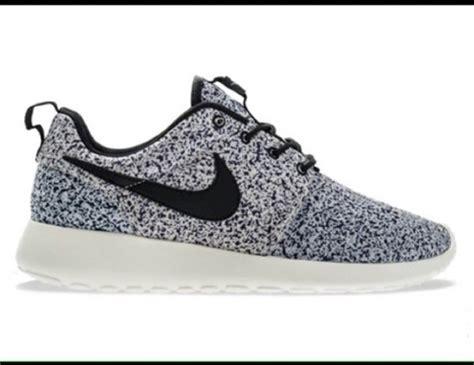 shoes nike roshes black white speckled wheretoget