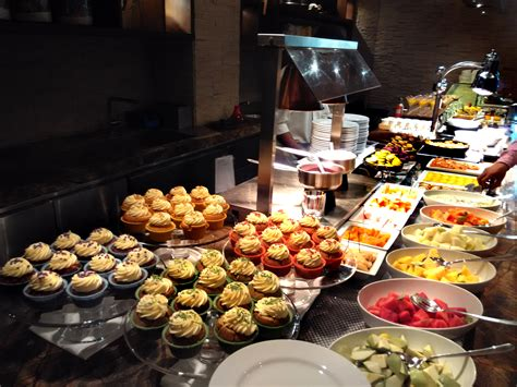 Hershey Circular Dining Room k3 jw marriott hotel new delhi aerocity khaye piye likhe