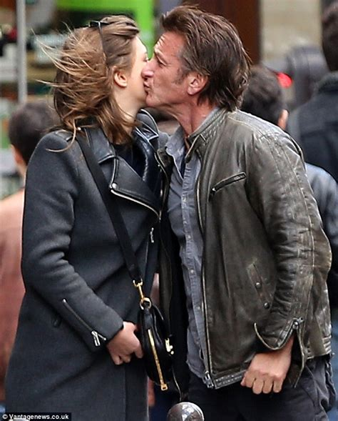 sean penn kisses french actress adele exarchopoulos