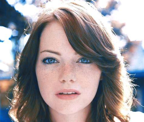 emma stone face shape eye color and face shape influence trustworthiness