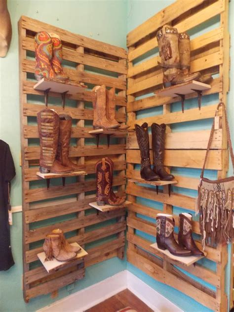 display boots and pallet display on
