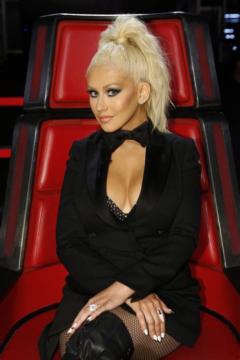 hairstyles on the voice christina aguilera shoulder length bob christina