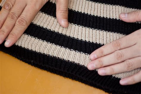 how to fix a snag in a jumper sweater 4 steps with pictures