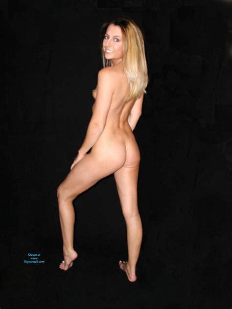 Yo Laci Loves Posing Nude June Voyeur Web