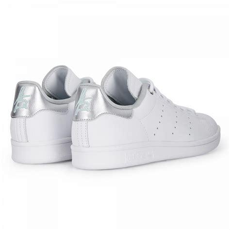 adidas originals sneaker stan smith signature blancargent femme aires libres