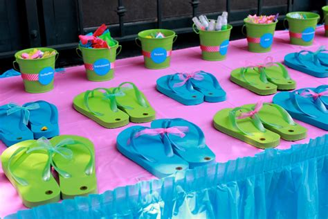 party themes tweens tween teen party ideas surf s up bollywood design