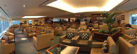 emirates jfk to dubai report the emirates lounge at new york jfk cloud commuting