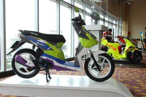 Lu Led Motor Beat Karbu modifikasi honda beat cutting sticker motor beat thailand oto trendz