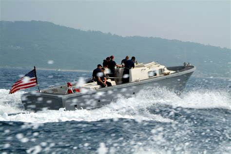 navy small boats file us navy 050709 n 4772b 008 a small boat assigned to