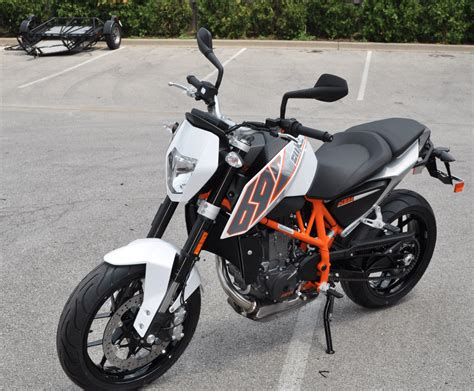 2013 Ktm Duke 690 2013 Ktm 690 Duke Pics Specs And Information