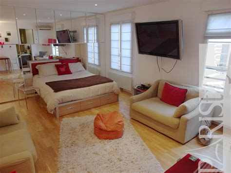 Palais royal furnished studio rental Louvre 75001 Paris