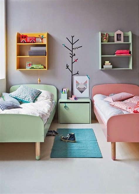 childrens bedroom furniture for small rooms 17 best ideas about small shared bedroom on pinterest sister bedroom sisters shared bedrooms