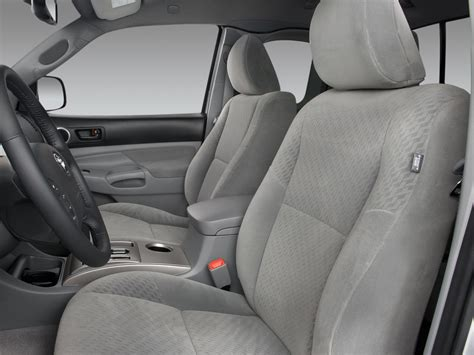 Toyota Tacoma Seats 2009 Toyota Tacoma Reviews And Rating Motor Trend