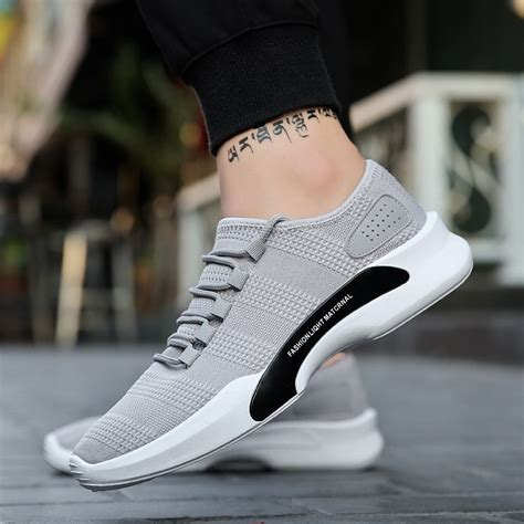 kaus kakisepatu sneakers casual bahan breathable