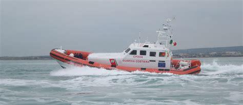 capitaneria di porto di viareggio guardia costiera di viareggio continuano i controlli