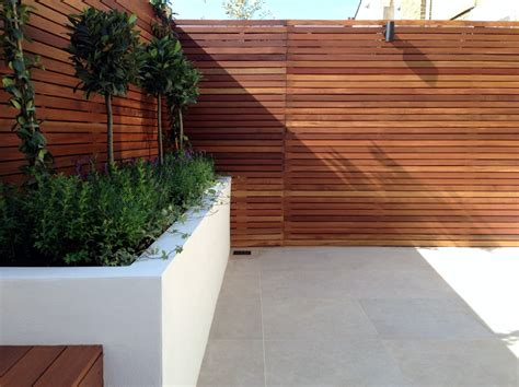 Small Wall Trellis Small Modern Minimalist Low Maintenance Garden Dulwich