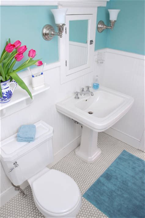 Decorating Ideas For A Tiny Bathroom How To Decorate A Small Bathroom