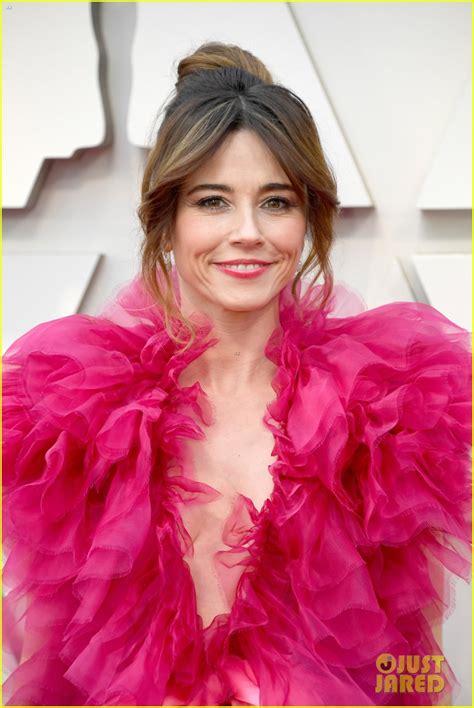 linda cardellini  pretty   pink tulle dress  oscars  photo   oscars