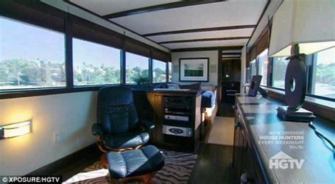 Harga Vans Buzz intip rumah mobil mewah milik vin diesel mldspot