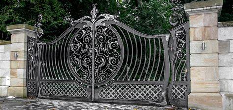 metal fencing  types  materials