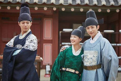 dramacool autumn in my heart moonlight drawn by clouds premiere week is park bo gum