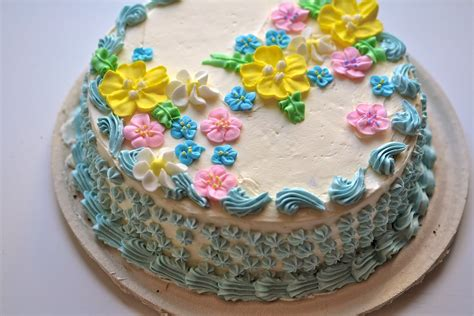 Cake Decorating Ideas At Home by Cake Decorating With Buttercream Trendy Mods