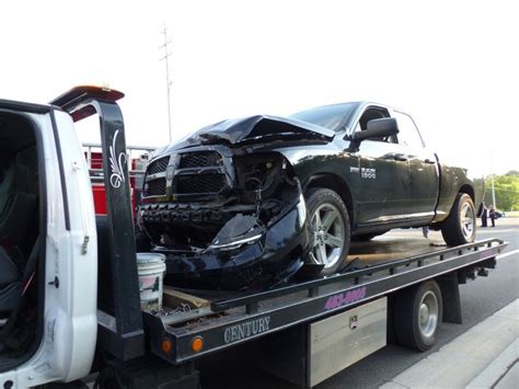 man dies after two vehicle crash in west oak ridge on thursday oak ridge today
