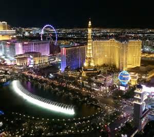 Cosmopolitan Vegas Chandelier The Cosmopolitan Of Las Vegas Hotel Casino Restaurant