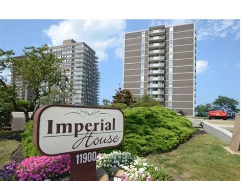 imperial house apartments imperial house apartments rentals lakewood oh apartments com