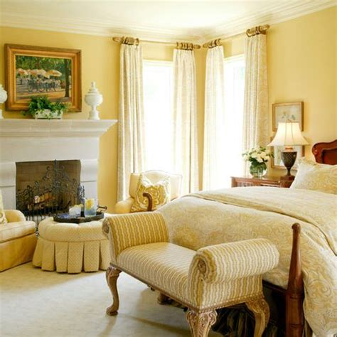 yellow master bedroom best 25 yellow rooms ideas on pinterest yellow room decor yellow bedrooms and room colors