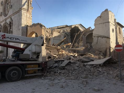 earthquake watch earthquake in norcia basilica of st benedict destroyed