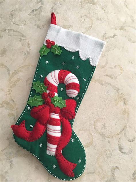 decorar bolas de navidad con fieltro moldes y manualidades de navidad en fieltro ideas para