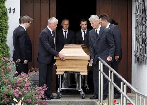 helmut kohl un funeral convertido en show