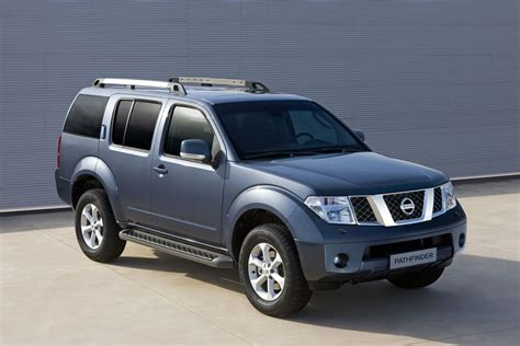 pathfinder nissan 2011 2011 nissan navara pathfinder facelift photo 5 9274