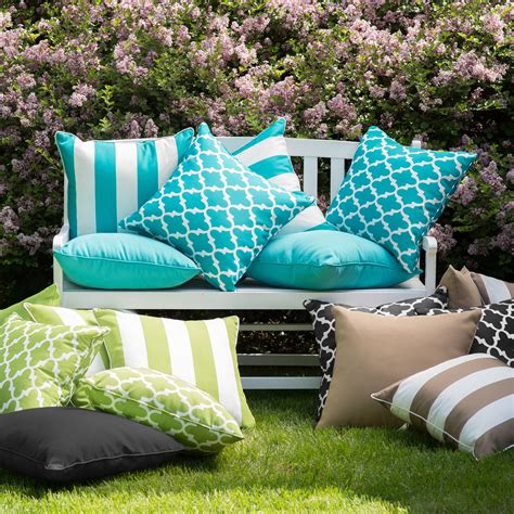 Coral Coast Lakeside 20 X 20 In Outdoor Throw Pillows Patio Pillows And Cushions