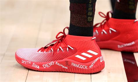 louisville basketball shoes donovan mitchell wore shoes to pay respect to louisville
