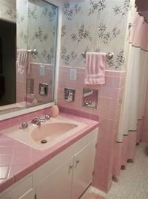 Retro Pink Bathroom Ideas | 36 retro pink bathroom tile ideas and pictures